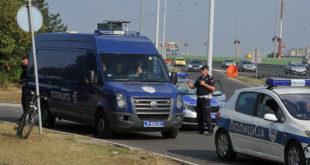 Полиција спречила блокаду Газеле, километарске колоне на излазу из Панчева 4