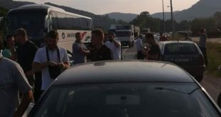 Горњи Милановац и поред жестоких полицијских претњи не одустаје од блокаде! 10