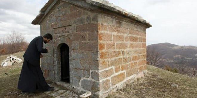 Мариница, најмања црква у Србији 1