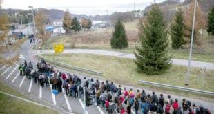 Аустријски медији: Балкану прети нови талас миграната 13