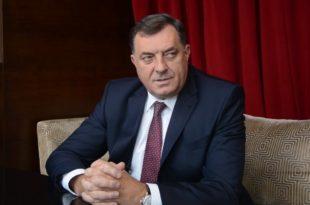Милорад Додик: У БиХ не постоји високи представник, Кристијан Шмит се само тако представља