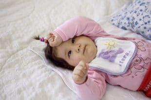 """Мајка болесне девојчице Зорице, Љиљана Драгојловић сутра почиње штрајк глађу јер је њено дете """"комисијски отписано"""""""