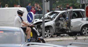 Београд као дивљи запад, експлодирао џип у покрету 3