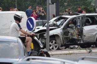 Београд као дивљи запад, експлодирао џип у покрету