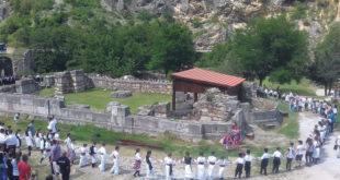 Коло око цркве цара Душана у Призрену 12