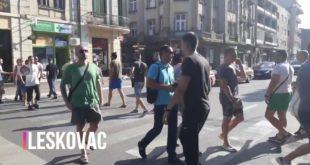 ПРОТЕСТИ Лесковац - блокада пешачког прелаза (видео) 5