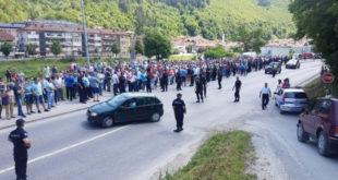 """Протест 700 малинара у Пријепољу, незадовољни ценом """"црвеног злата"""" 5"""
