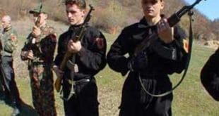 Бујановац: Терористи у црном наоружани калашњиковима препали укућане 3