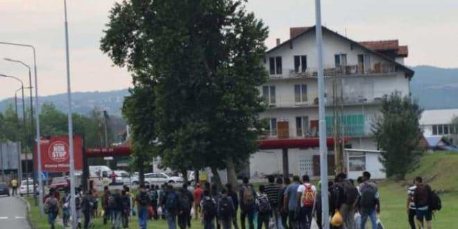 МУП Србије да одговори одакле оволики мигранти у Лозници!