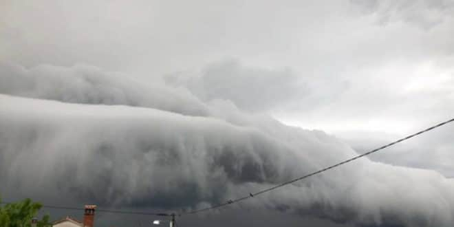 РХМЗ УПОЗОРАВА! У деловима Србије очекују се нови пљускови праћени олујним ветром 1