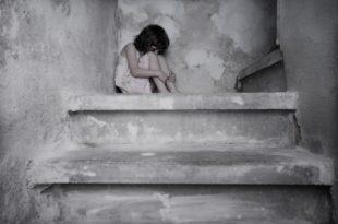 Пораст броја решења о одузимању деце се поклопио са усвајањем Закона о породици према којем и странци могу да усвајају децу у Србији