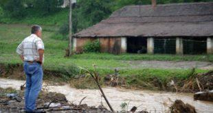 ПОПЛАВЕ КОД КРАЉЕВА: Бујице у неколико села, у Врњачкој Бањи се излила Грачачка река 10