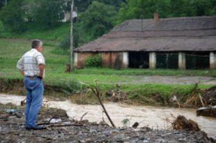 ПОПЛАВЕ КОД КРАЉЕВА: Бујице у неколико села, у Врњачкој Бањи се излила Грачачка река 9