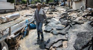 Страх од зараза у Јапану, у поплавама страдало преко 200 људи (видео) 3