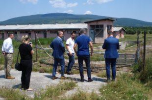Изетбеговић насељава мигранте у напуштена српска села! 10