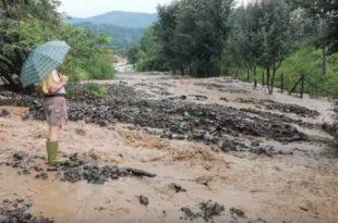 Ванредна ситуација у делу Краљева, невреме у Тополи (видео)
