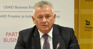 Илић: Вучићу, зашто ти народ бежи из Србије (видео)