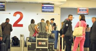 ИДИОТЕ, сваки месец се из Србије исели око 4.000 радно способних људи! 8