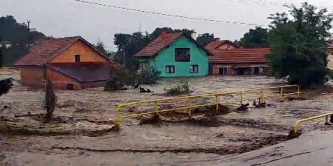 Хаос у Жагубици услед пуцања нелегалне бране, саграђене због мале хидро-електране? (фото) 1