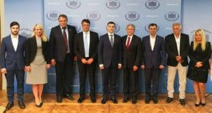 Отаџбина: Вучићев режим наставља да бескрупулозно манипулише и фалсификује ставове Руске Федерације и СПЦ 17