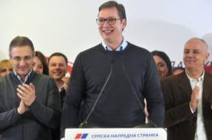 ПАРАЗИТИ: Вучићев режим запослио додатних 24.000 државних функционера!