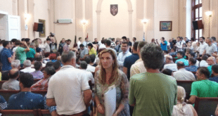 УПРКОС ЗАБРАНИ УЈЕДИЊЕНА ОПОЗИЦИЈА У ПРЕПУНОЈ САЛИ: Без столице за Косово у УН (видео) 10