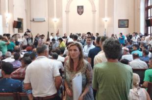 УПРКОС ЗАБРАНИ УЈЕДИЊЕНА ОПОЗИЦИЈА У ПРЕПУНОЈ САЛИ: Без столице за Косово у УН (видео) 13