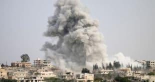 Последњи јуриш: Сиријски авиони масовно бомбардују највеће упориште терориста на свету (видео)
