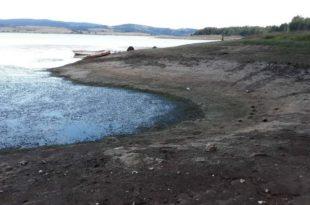 Због прекомерног испумпавања воде за мини хидролектране Власинско језеро буквално умире! (фото)