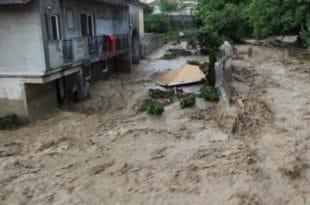 Поплаве и у Врању, Горњем Милановцу, Љигу! Вода носи све пред собом (видео)