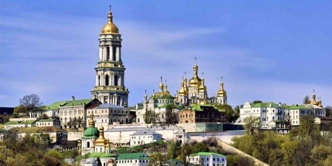 УПЦ Московске патријаршије обуставила служење са свештенством Цариградске патријаршије