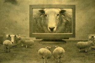 Роџер Вотерс: Неолиберална пропаганда држи бираче уснулим као орвеловске овце