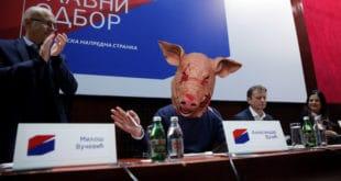 Летећи папци и свињске главе 5