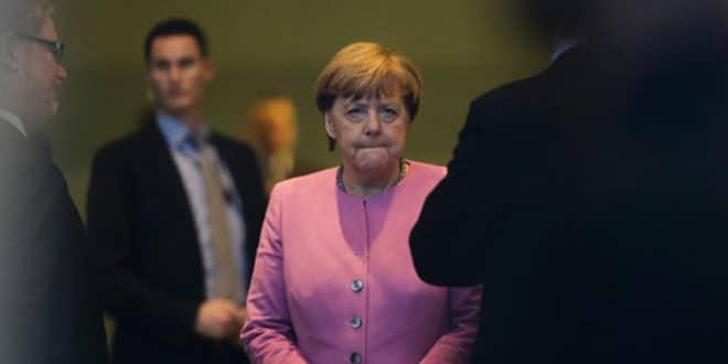 """Немци неће вакцину: """"Госпођо Меркел, вакцинишите се ви""""!"""