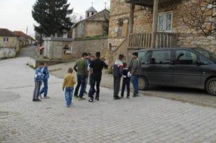 Ораховац – ухапшен српски младић који је покушао да заштити српску децу од албанског малтретирања!