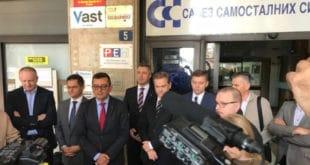 Савез за Србију: РЕМ не сме да буде још једна режимска испостава, већ под хитно мора да обезбеди пуну примену Закона о електронским медијима – најпре да казни РТС и РТВ и укине националну фреквенцију ТВ Пинк 6