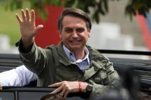 Десничар Жаир Болсонаро нови председник Бразила