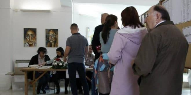 Општи избори у БиХ: До 15 сати излазност 37,21 одсто