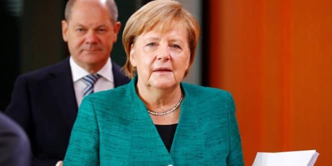 """Утицајни немачки правник Матијас Хердеген објавио да ће Меркелову """"скинути са места лидера CDU"""" 1"""