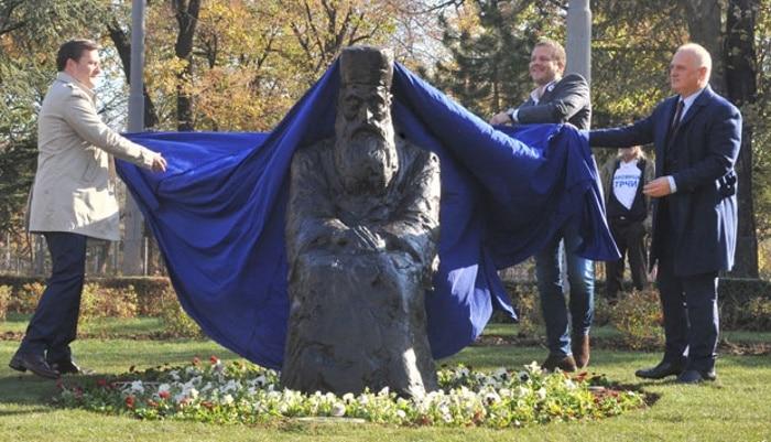 Вучић: Само се будалама не свиђа споменик патријарху Павлу! 2