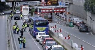 Хаос на протесту против високих цена горива у Паризу, погинула жена, 47 повређено