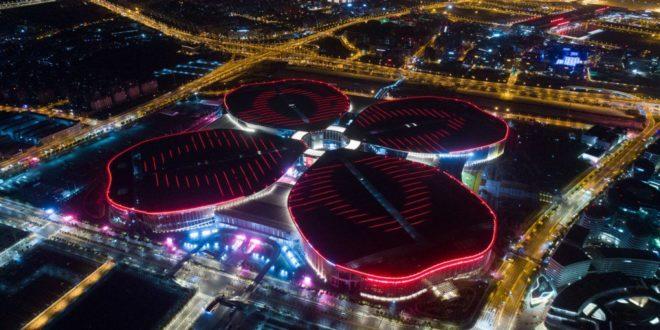 """Си на отварању сајма увоза у Шангају обећао да ће Кина """"пригрлити свет"""", али не попушта Трампу"""