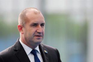 Бугарски председник Румен Радев: У Бугарској угрожене демократија и слобода медија 9