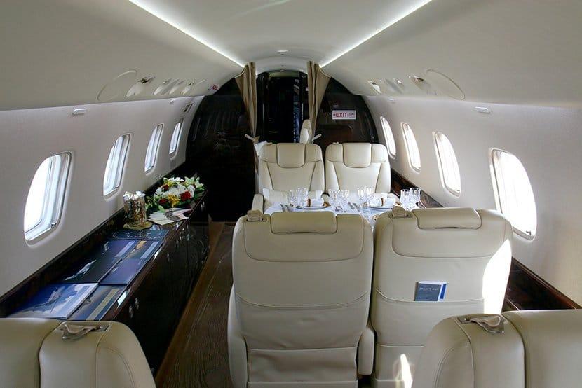 БИА купила авион за Вучића којим управља цивилна посада АИР ПИНК?!