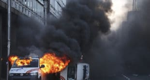 Жестоки сукоб народа са полицијом у Бриселу (фото, видео) 12