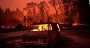 Гори Калифорнија: Има мртвих, уништено на хиљаде објеката, евакуисано 157.000 људи (видео) 9