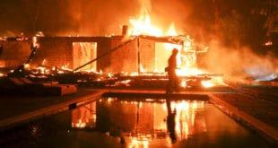 Број жртава пожара у Калифорнији порастао на 56, 130 нестало (видео)