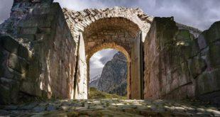 Живимо у слому западне цивилизације: И Рим је подизао зидове пред варварима пре катастрофе 13
