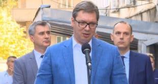 ПЕНЗИОНЕР ПОСЛАО КОНТРА ПИСМО ВУЧИЋУ: Бездушни господине одело вам је пар хиљада евра!