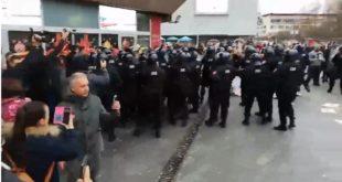 Покушај организовања немира у Бањалуци (видео) 11